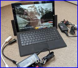 Microsoft Surface Pro 3 256GB Core i5 1.9GHZ 8GB + Keyboard + Docking Station